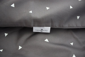 Triangles Cot Bedding