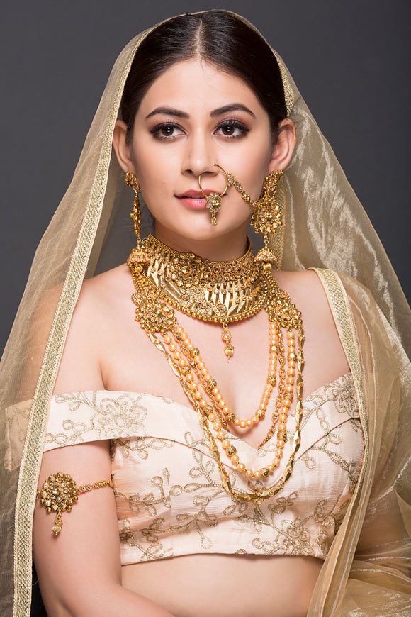 Golden Bridal Set With Pearls