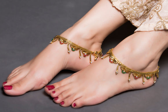 Gold Anklet With Leaves and Flowers