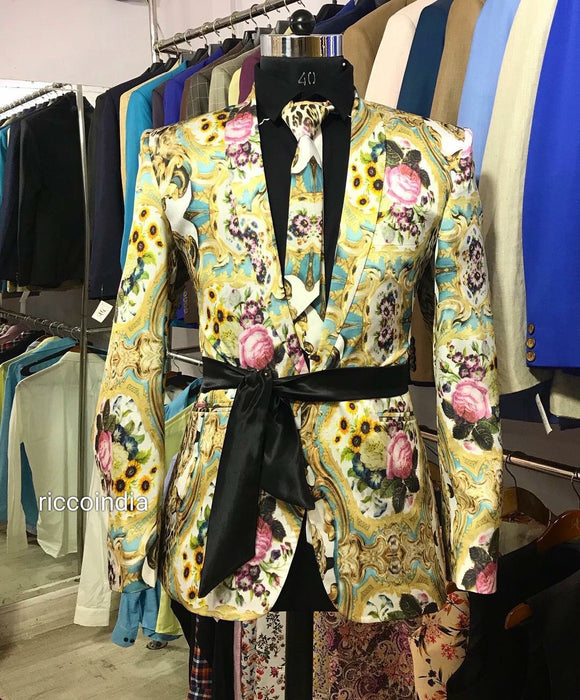 Printed blazer with satin belt