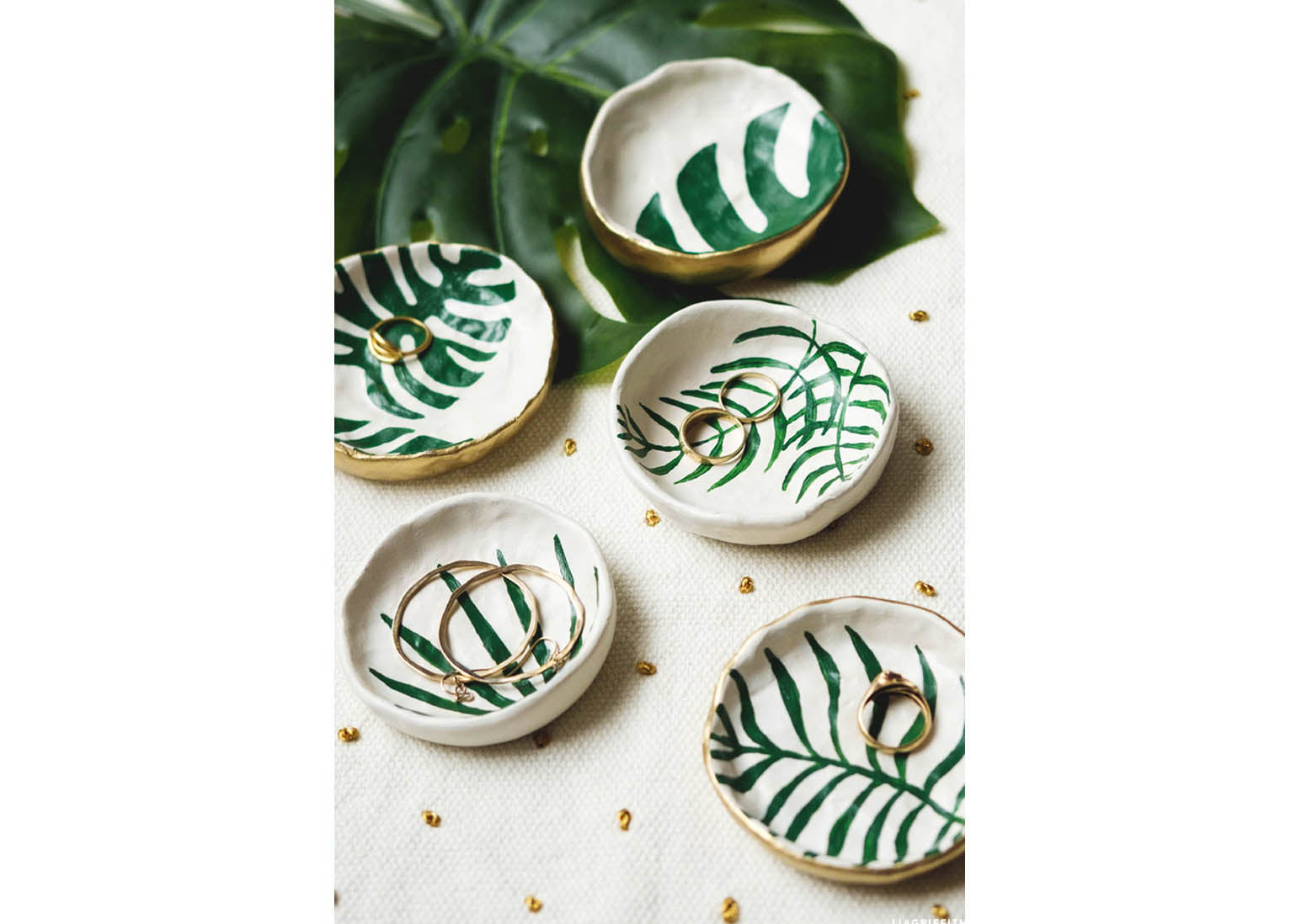 A beautiful photograph of tropical themed trinket dishes-perfect for storing jewellery such as rings and earrings