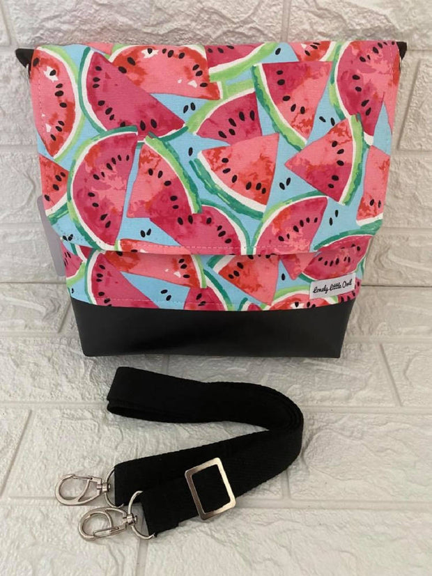 MEDIUM MESSENGER BAG - Watermelon