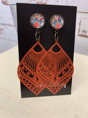gorgeous bright colourful cab with orange metal earrings! beautiful!