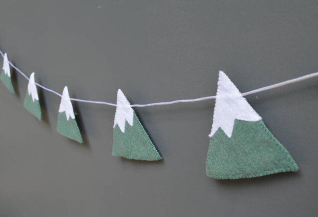 Snowy mountain garland