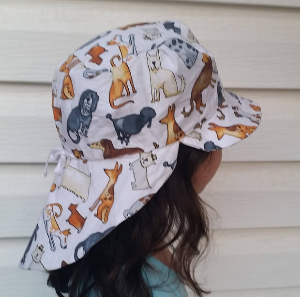 Adjustable Sunhat - Lots of Dogs