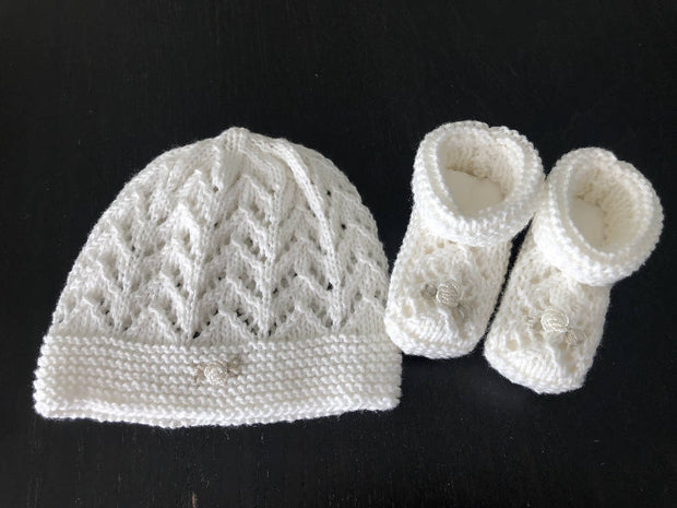 Newborn set - knitted cotton booties & bonnet