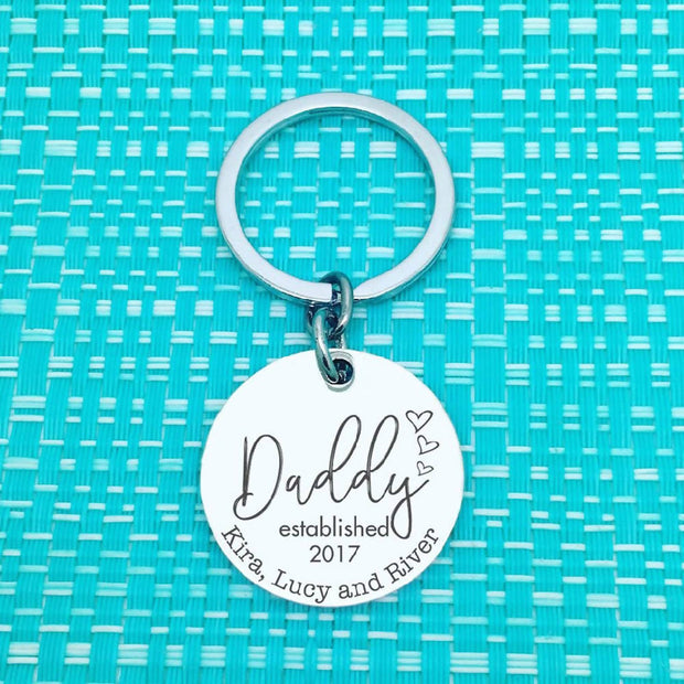 Dad Gifts - Dad Established personalised keyring (Change Dad to another name of your choosing)