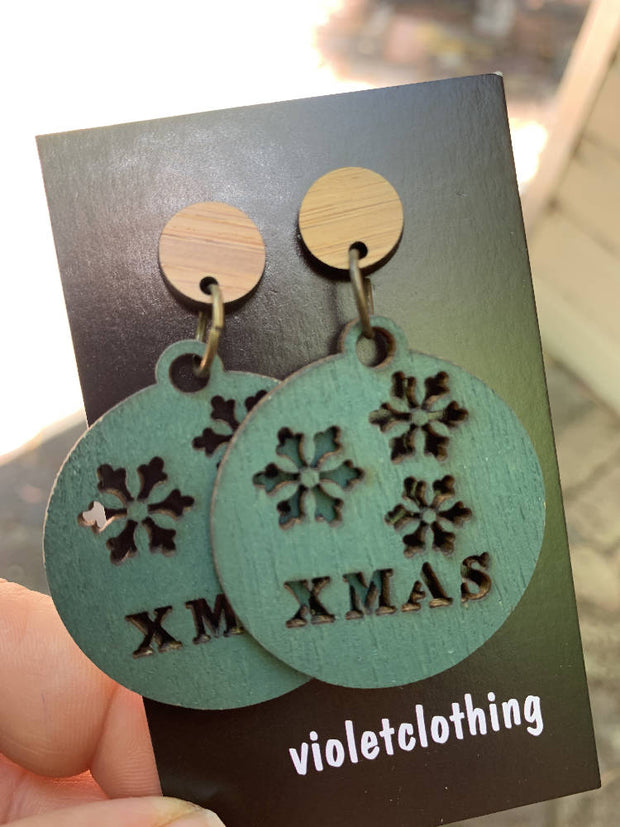 gorgeous wood christmas bauble earrings-beautiful!