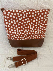 MEDIUM MESSENGER BAG - Spot