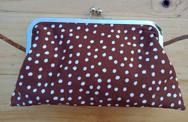 Pretty Women Small Kisslock Clutch