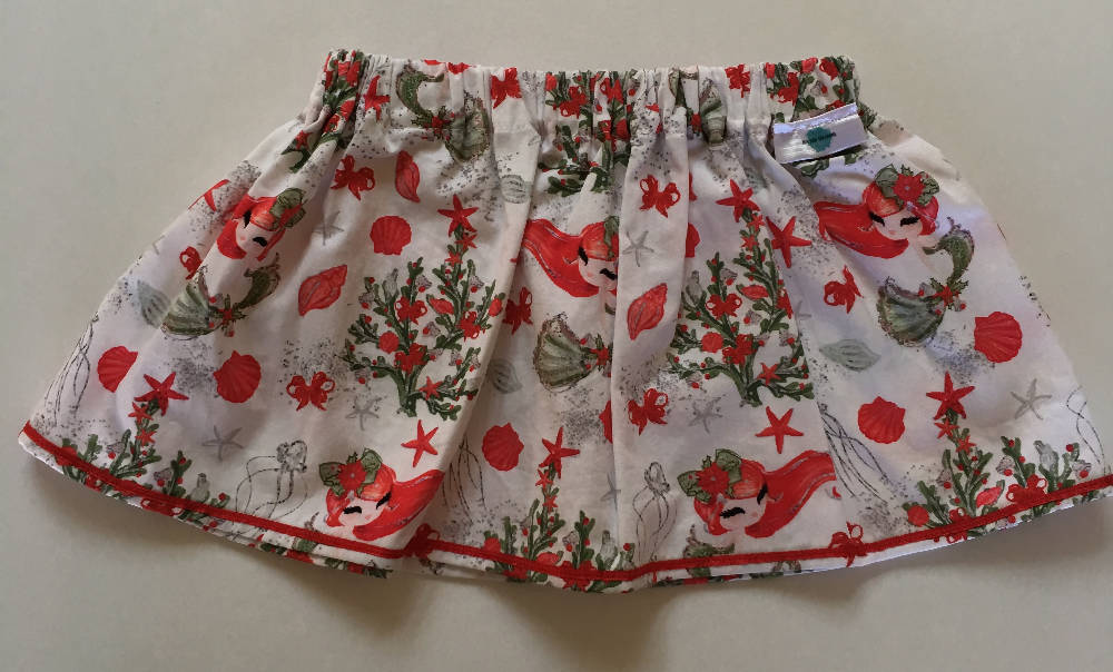 Size 1 Christmas themed skirt