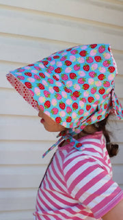 Adjustable Reversible Bonnet - Strawberries & Lovehearts