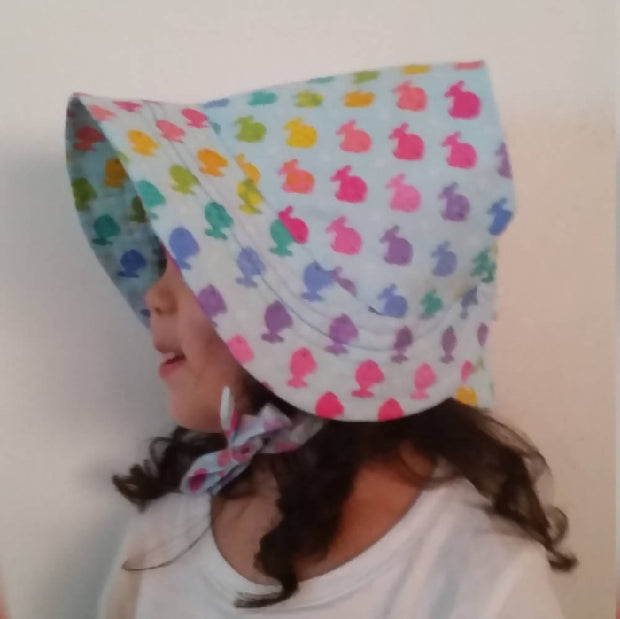 Adjustable Bonnet - Colourful Fishes