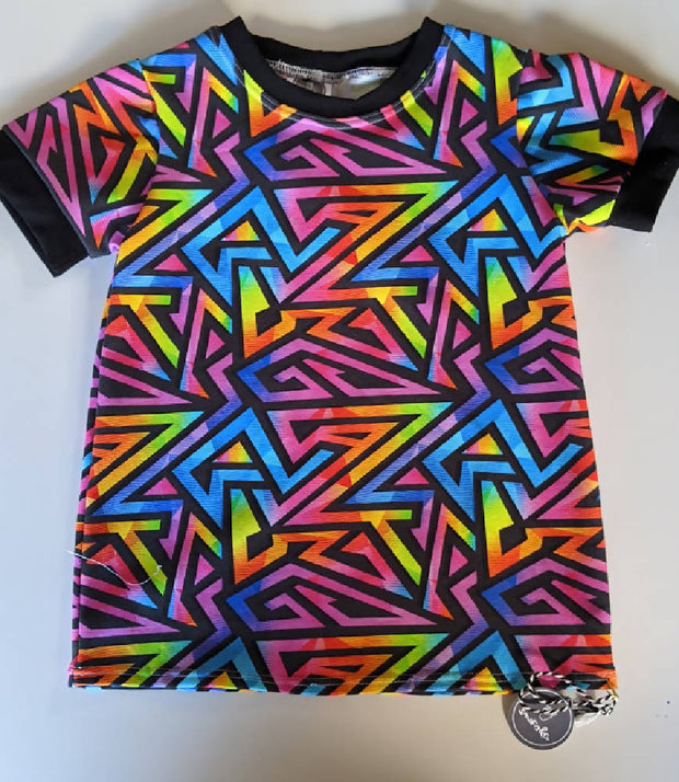 size 4 abstract rainbow