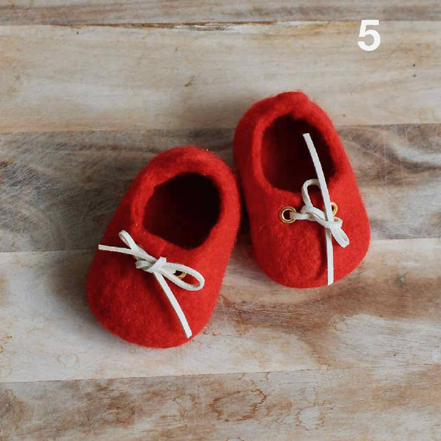 SALE - Ready to ship - 30% off Sydney Sneakers - Wool Felted Baby Shoes