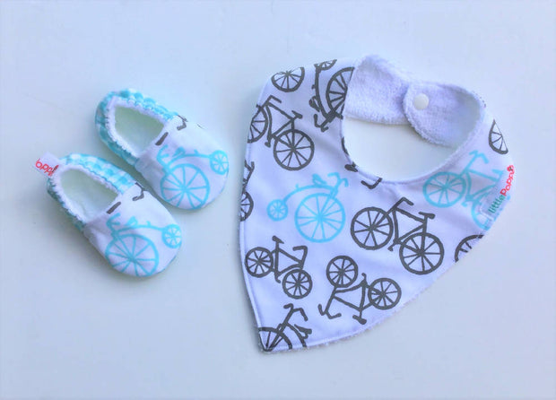 Baby Bib and Bootie/Shoe Gift Set