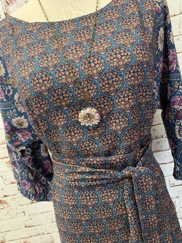 gorgeous blue purple floral rayon dress with sash - perfect for summer - elastic mid sleeves - medium 10-12 -
