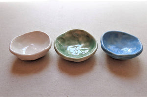 Porcelain dish minis set of 3, salt pepper and spice ceramic cups cellars set, pottery seafoam ocean colors small prep bowls ring dish