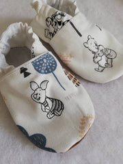 Pooh bear white soft soled shoes