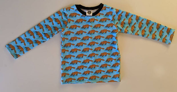 * NEW *platypus long sleeve size 4