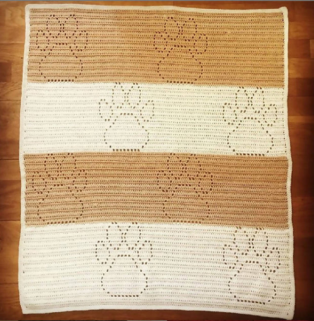 Puppy paw print baby blanket