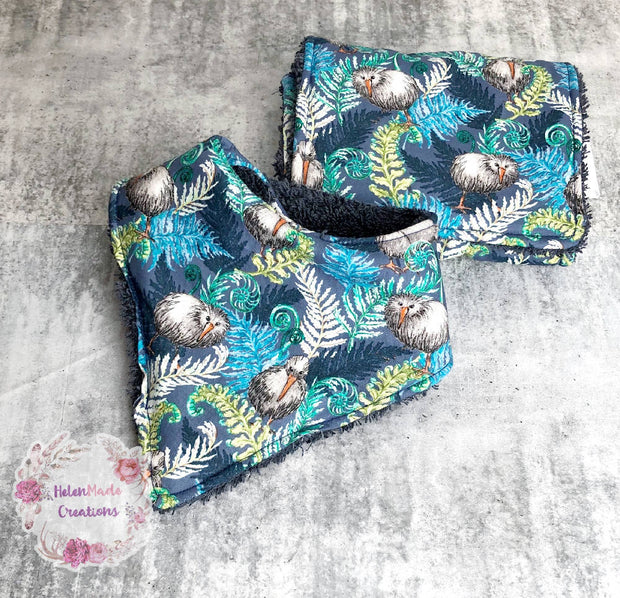 Kiwi ferns Bib/Burp cloth set