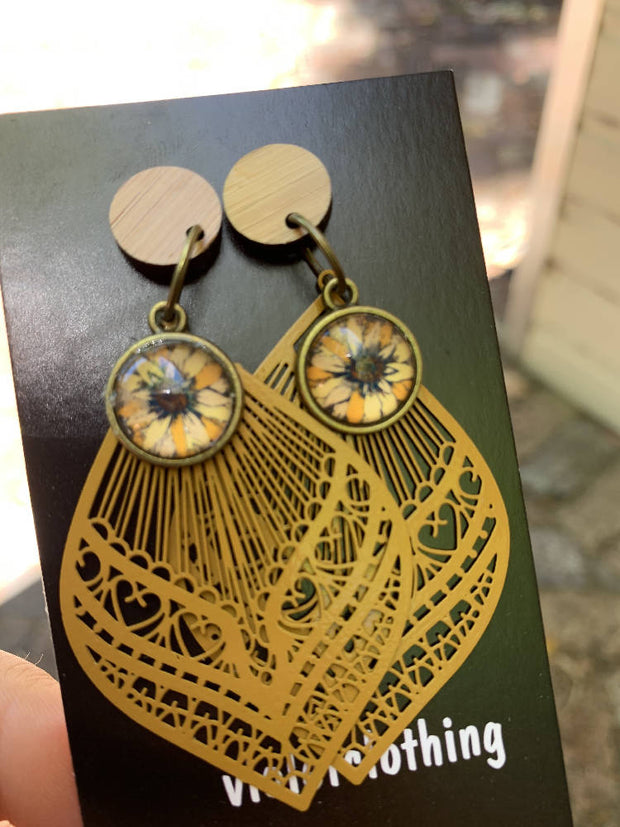 gorgeous wood with sunflower and mustard metal dangles-beautiful!