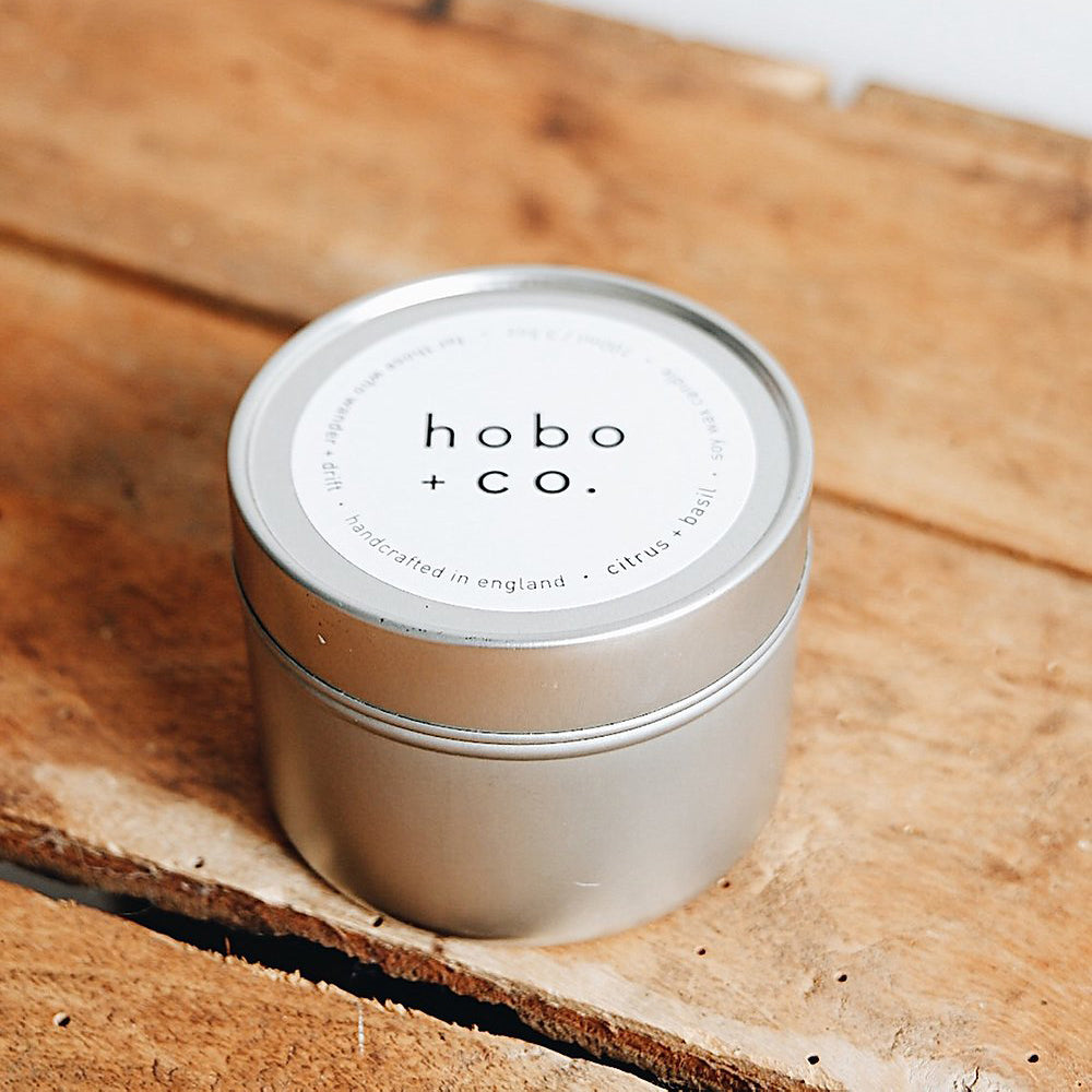 Eco-soja kaars 'Citrus & Basil' in blik van HOBO & CO