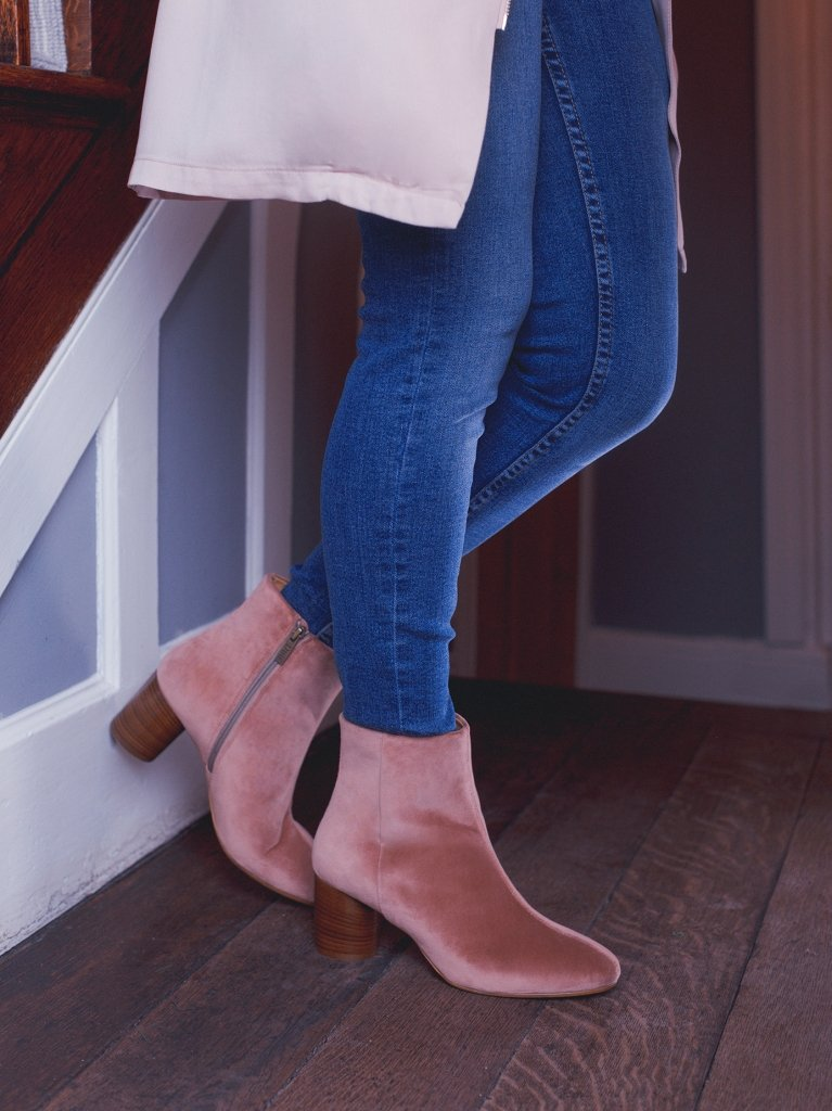 Abstract Dusty Rose Velvet - Chic ankle boot with a cylindrical heel - web exclusive.