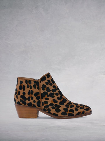 Albus Leopard Hair Leather - Low-heel versatile ankle boots.