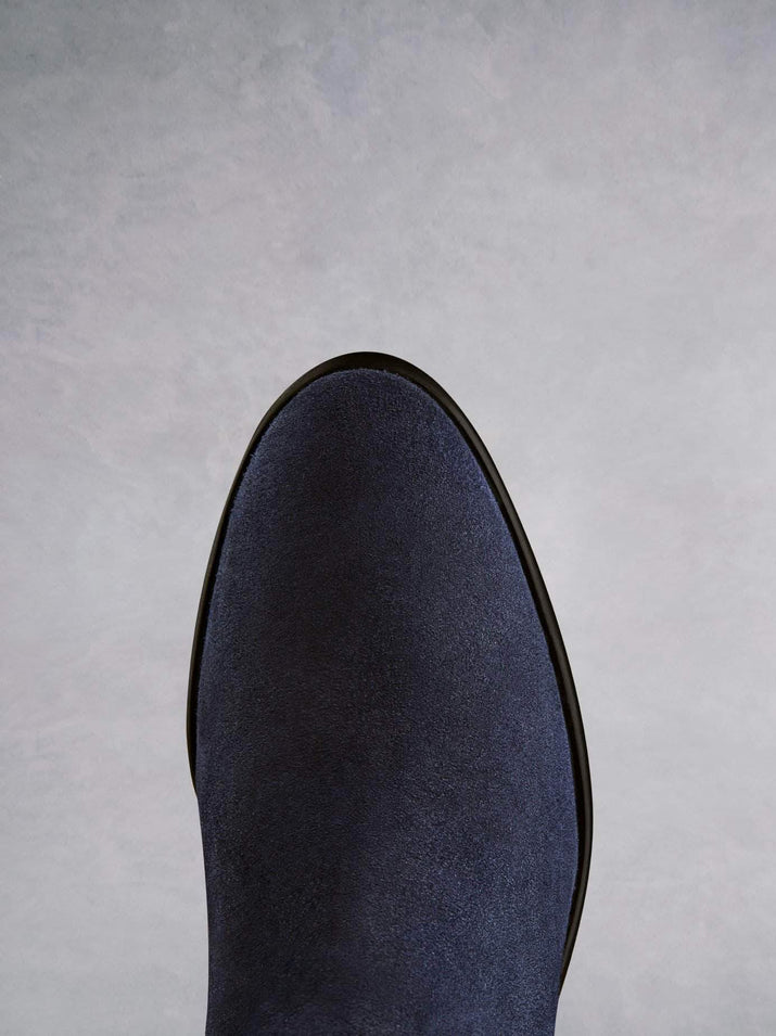 Avalon has a flattering fit, and a smooth almond navy suede toe shape.