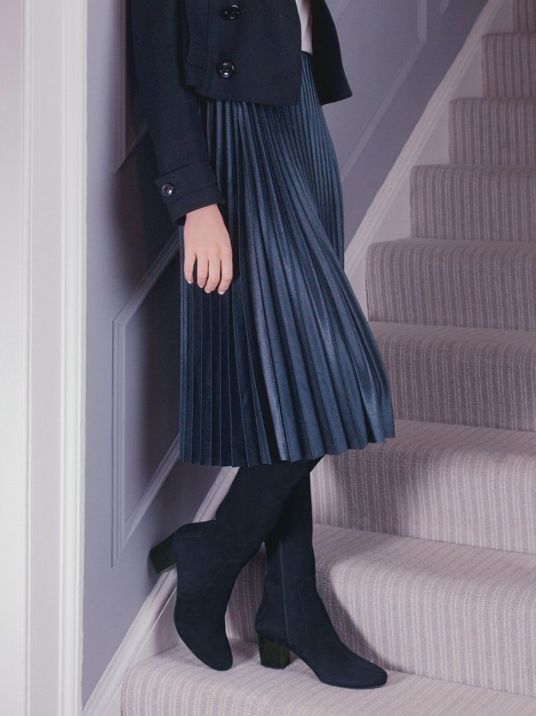 The Avocet moulds to the silhouette, and is super chic in navy suede.