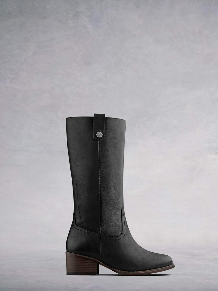 Brampton, our casual black leather mid-calf boot, inspired by the Western boot trend. Available in a wide range of calf sizes.