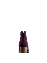 The practical low heel on Ludlow Mulberry Purple Suede makes them easy to wear.