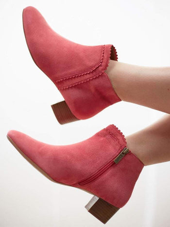 Florencia Coral Pink Suede - Block heel ankle boots with scalloped edging.