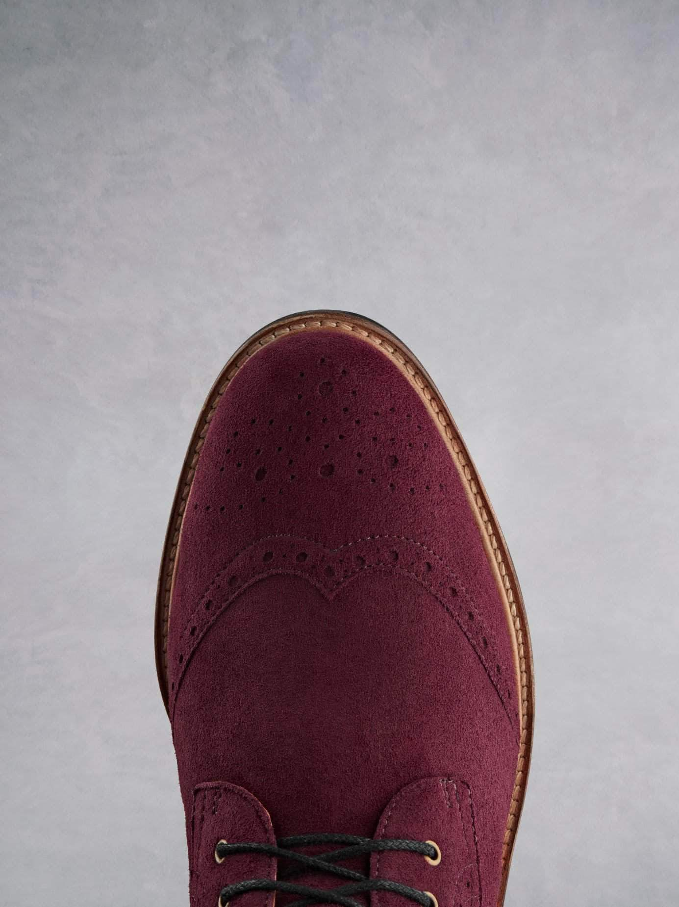 Balla burgundy has a beautiful brogue detailing over the round shaped toe.