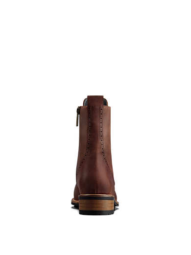 Balla chestnut has a contrast brown heel against the black rubber tread sole.