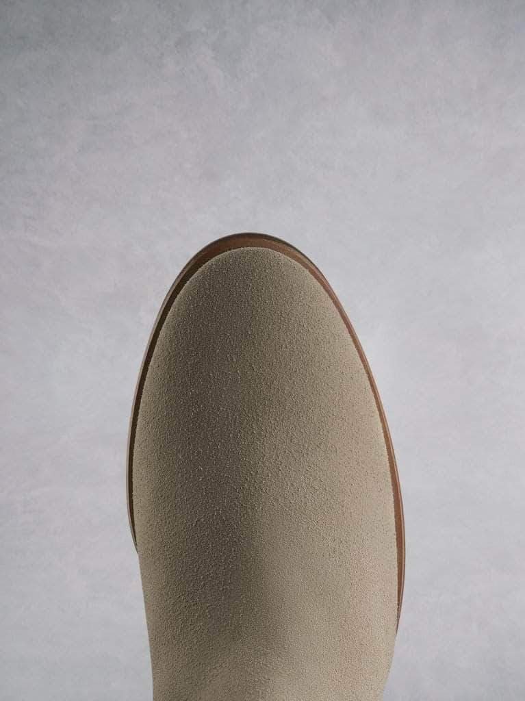 The Darwin sand has a comfortable round toe and a crepe look sole.