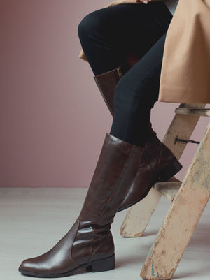 Haltham Brown Leather - Simple, classic, flat riding boots