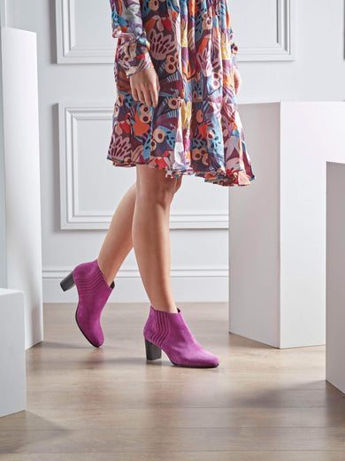 Miller, a fun and stylish mid-height ankle boot in fuchsia purple suede.