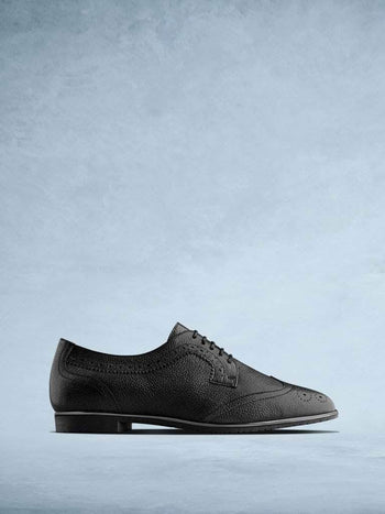 Mullion Black Leather - Brogue style lace up shoes in black leather.