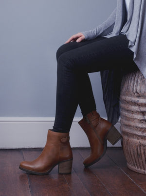 Orpheus Tan Leather - Casual mid block heel ankle boots.
