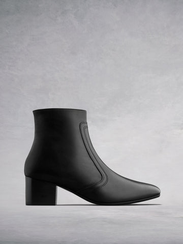 Shimmer Black Leather - Low-heel ankle boots with square toe.