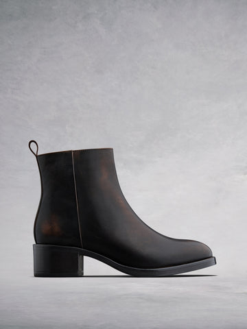 Arietty Cigar Brown Leather - Block-heeled round toe ankle boots.