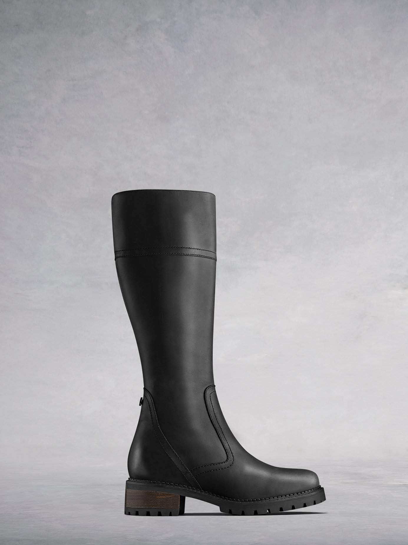 The Asham, the versatile everyday boot in smooth black leather.