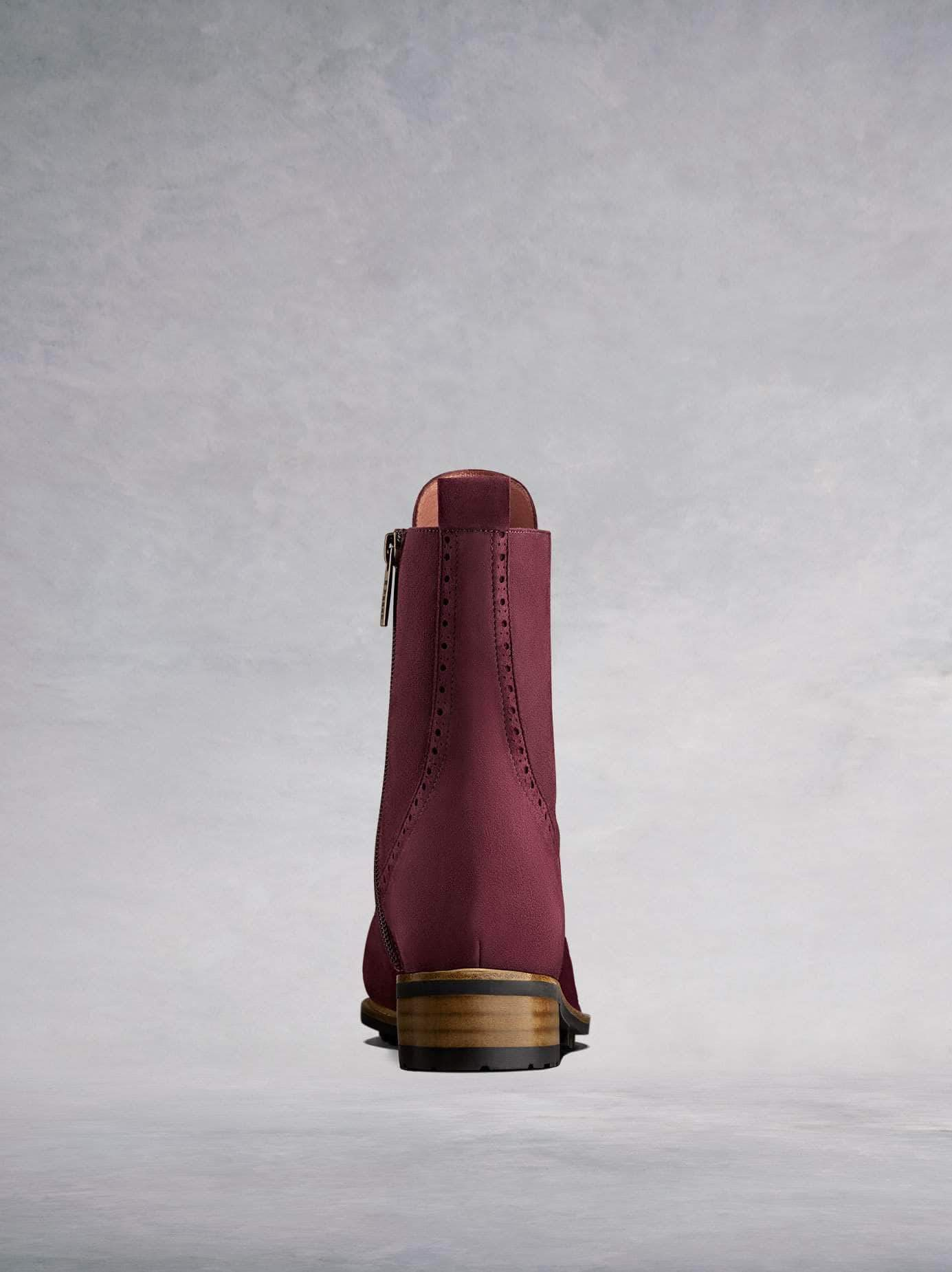 Balla burgundy has a contrast brown heel against the black rubber tread sole.
