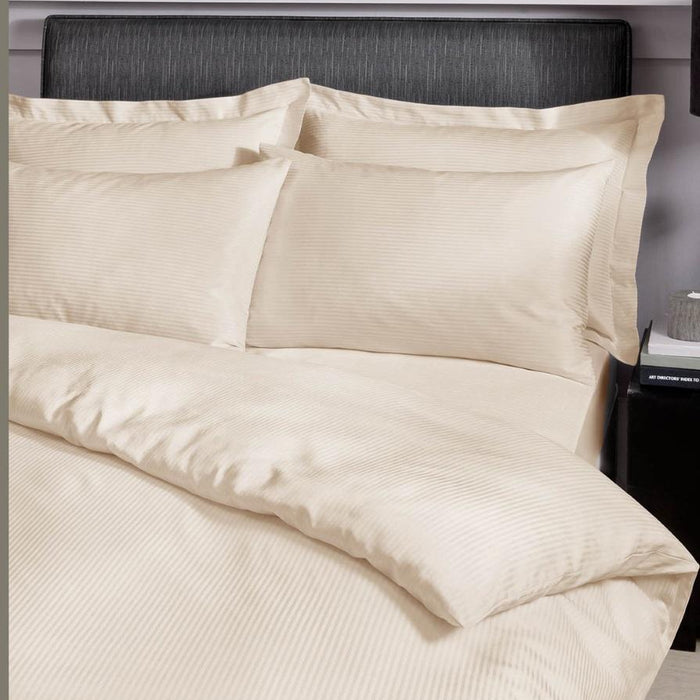 Oxford, Catherine Lansfield, Catherine Lansfield Platinum Oxford Pillowcases 300 Thread Count - from thebeddingbox.co.uk
