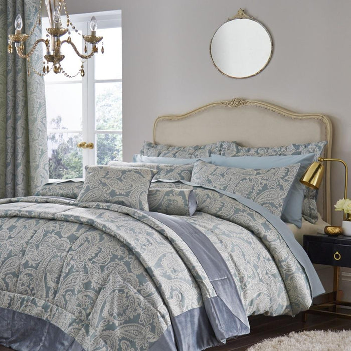 Bedspreads, Catherine Lansfield, Catherine Lansfield Opulent Jacquard Bedspread - from thebeddingbox.co.uk
