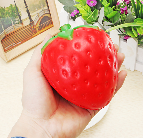 Fraise Squishy XXL Anti Stress