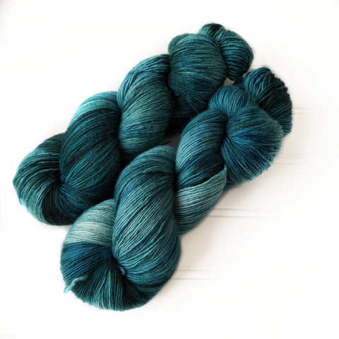 Single Ply Sock/Fingering Weight - Spruce green calico